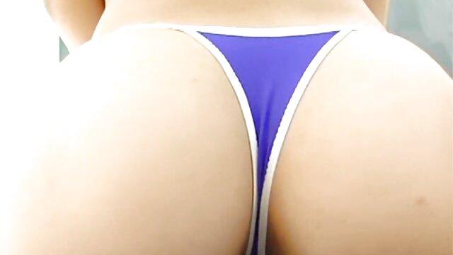 El entrenador alcanzó xvideos maduros gay a la morena en la vagina